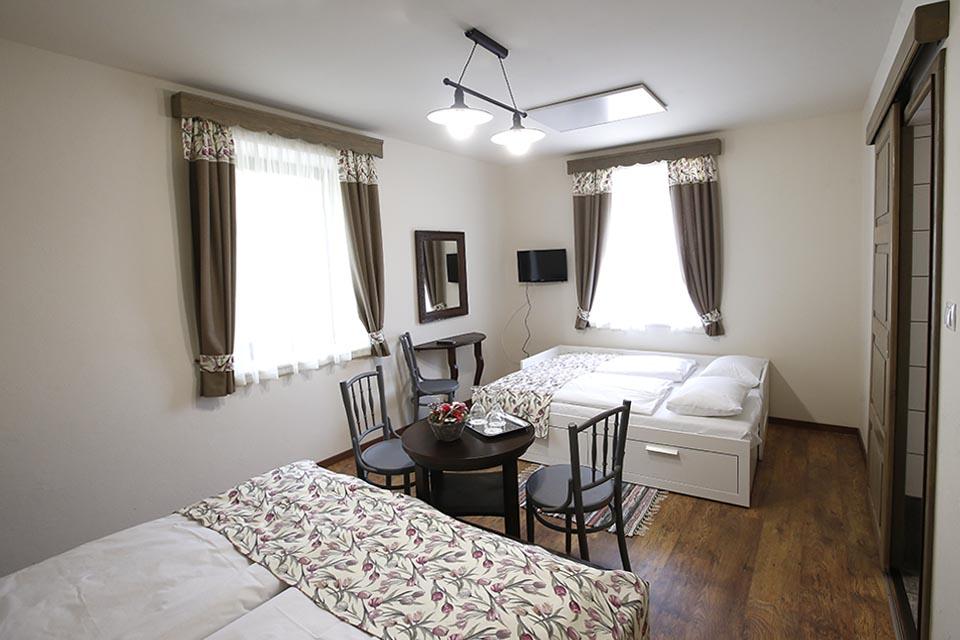 Négyszemélyes szoba 3-4 fő részére